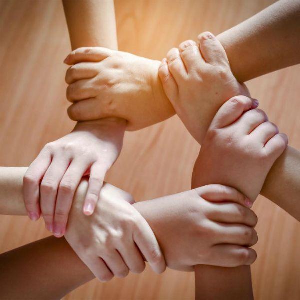 Сильная команда, мастера тайского массажа